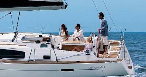 Bénéteau Oceanis 40 te huur van particulier of professional in