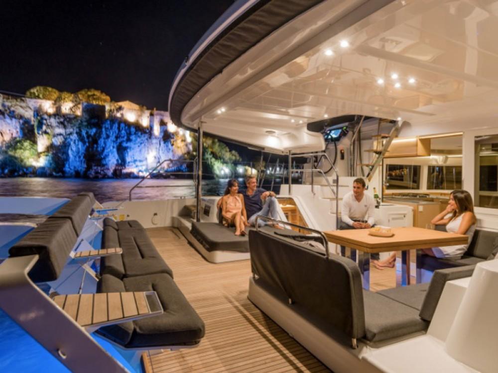 Catamaran te huur in Kontokali voor de beste prijs