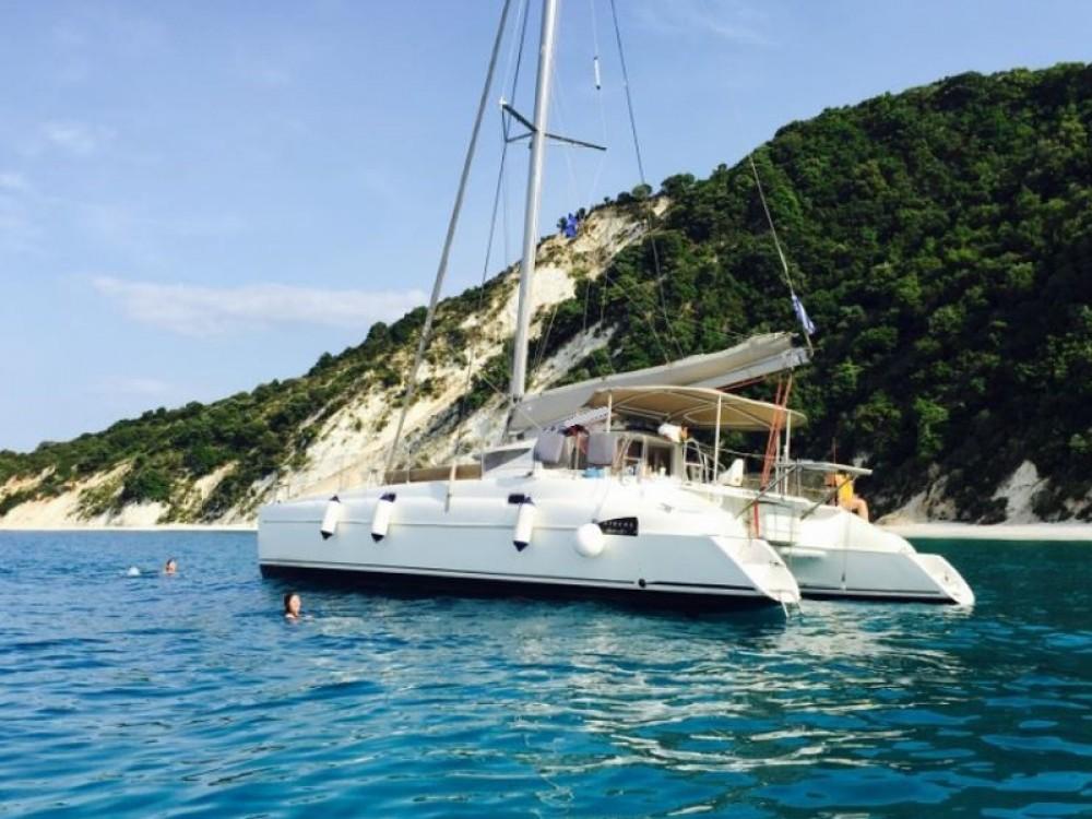 Verhuur Catamaran in Βόλος - Fountaine Pajot Athena 38