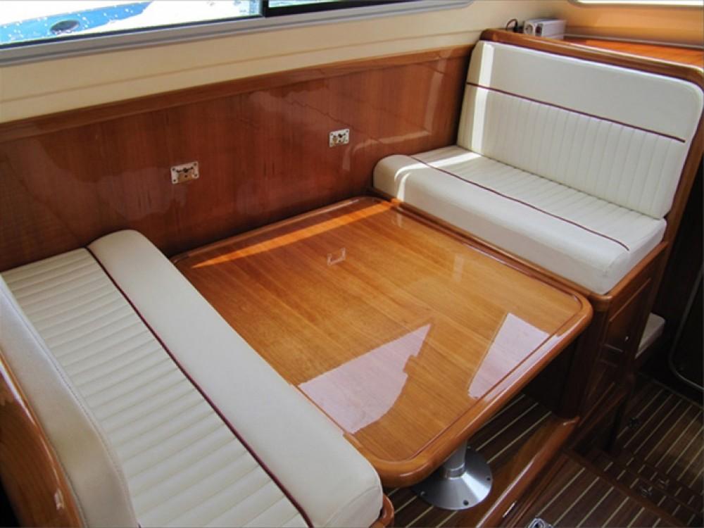 Huur Motorboot met of zonder schipper Damor in