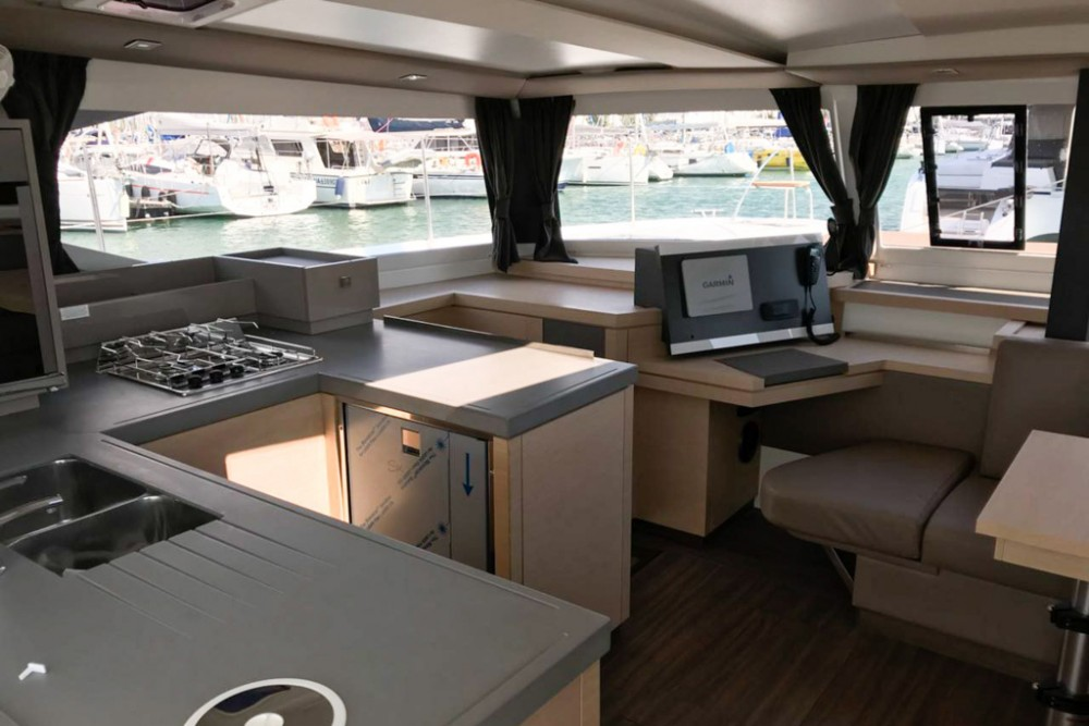 Jachthuur in Slano - Fountaine Pajot Astrea 42 via SamBoat
