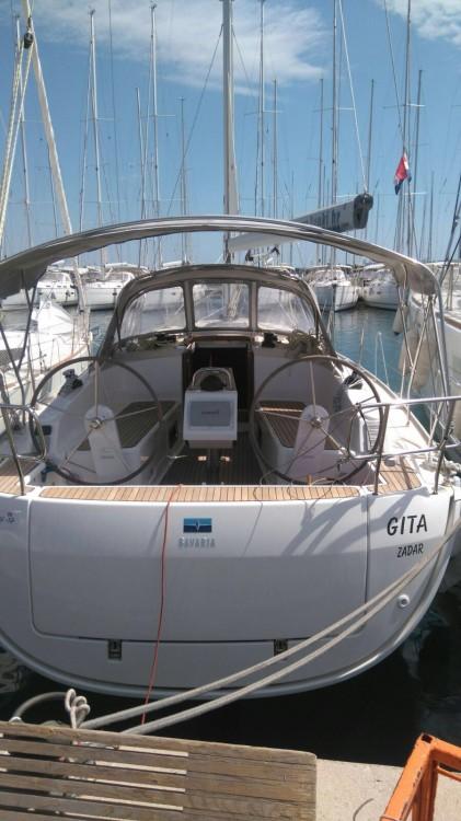 Huur een Bavaria Bavaria Cruiser 37 in