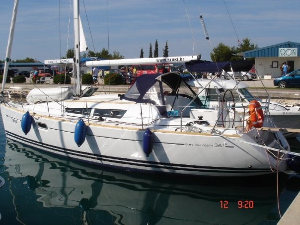Jeanneau Sun Odyssey 36i te huur van particulier of professional in Sukošan