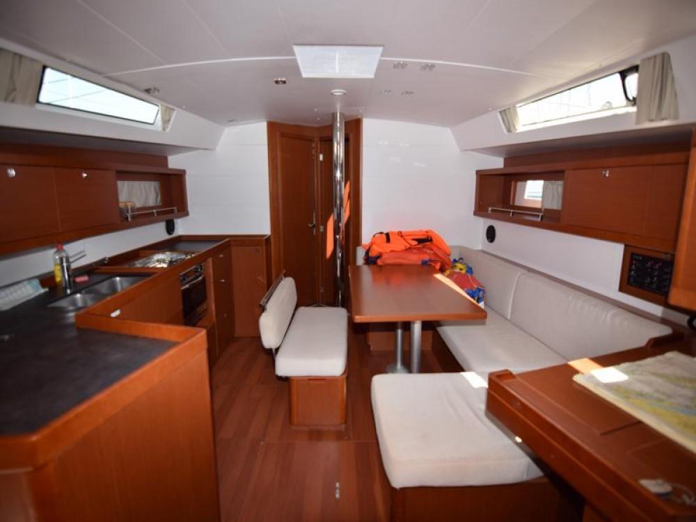 Bénéteau Oceanis 45 - 4 cab. te huur van particulier of professional in Sukošan