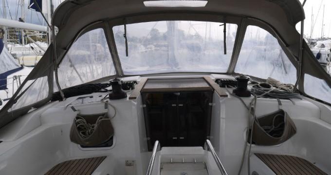 Huur een Jeanneau Sun Odyssey 469 in Salamína