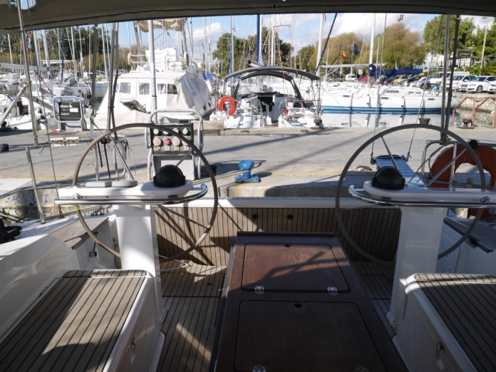 Huur een Bavaria Bavaria 45 Cruiser in Marina de Alimos