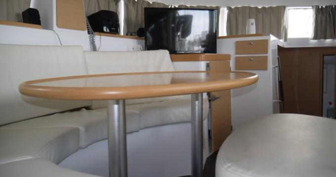 Bootverhuur Athene goedkoop Lagoon 380