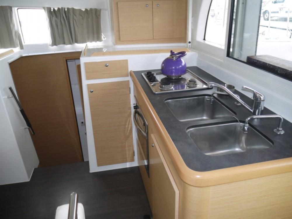Lagoon Lagoon 380 S2 te huur van particulier of professional in Marina de Alimos