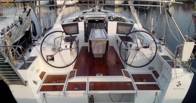 Huur Zeilboot met of zonder schipper Bénéteau in Salamína