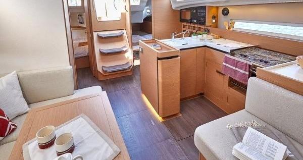 Zeilboot te huur in Lefkas Marina voor de beste prijs