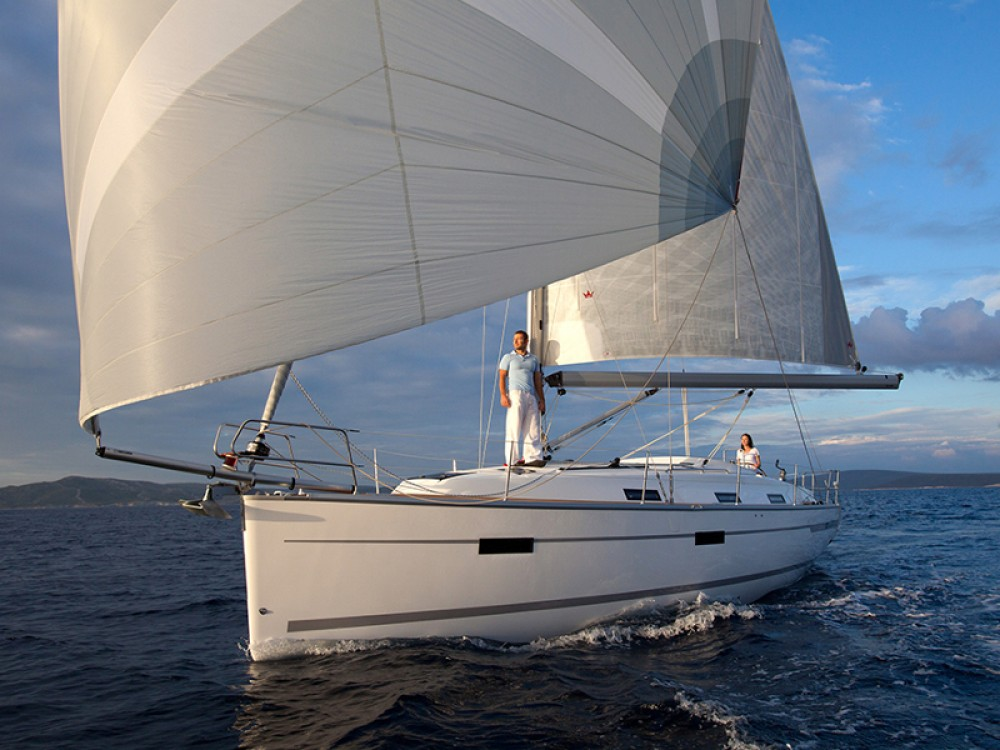 Huur Zeilboot met of zonder schipper Bavaria in De Fryske Marren