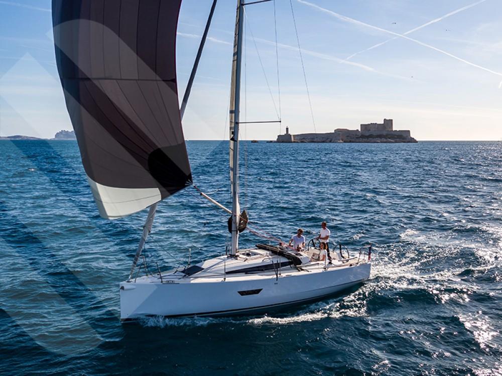 Huur Zeilboot met of zonder schipper Elan in Marseille