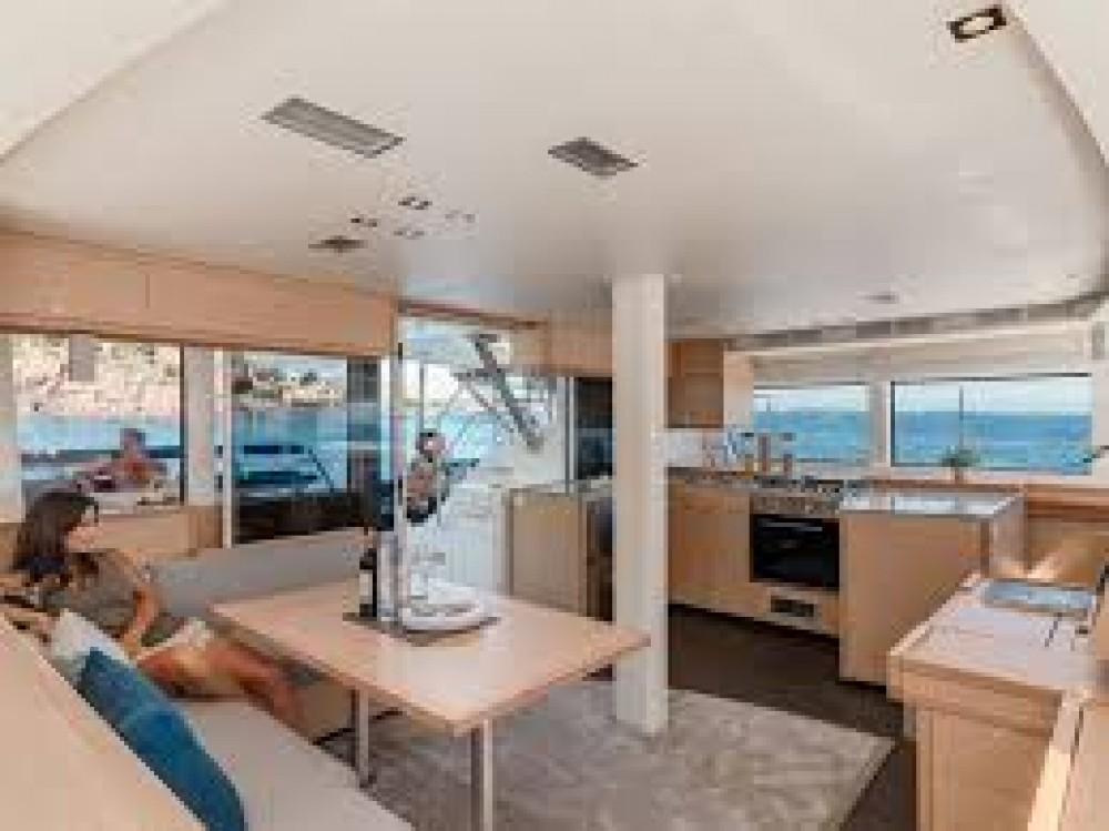 Verhuur Catamaran in Le Marin - Fountaine Pajot Saba 50