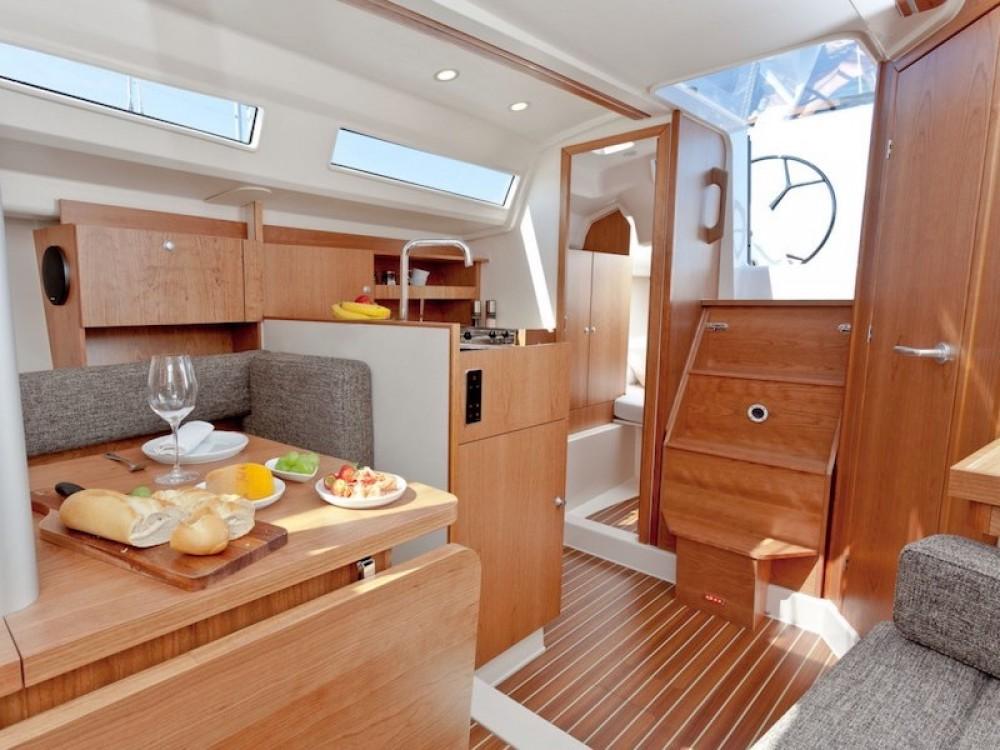 Huur Zeilboot met of zonder schipper Hanse in Morningside marina