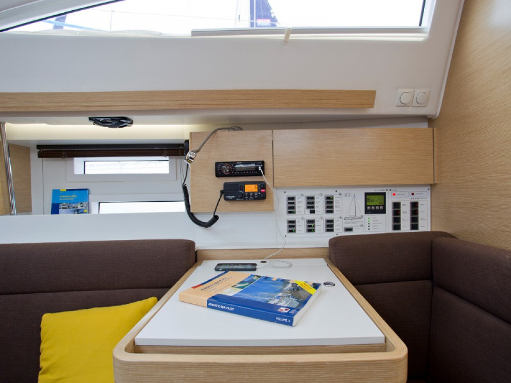 Jachthuur in Šibenik - Elan Elan 394 Impression via SamBoat