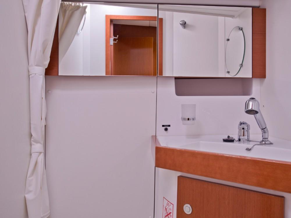 Zeilboot te huur in Šibenik voor de beste prijs
