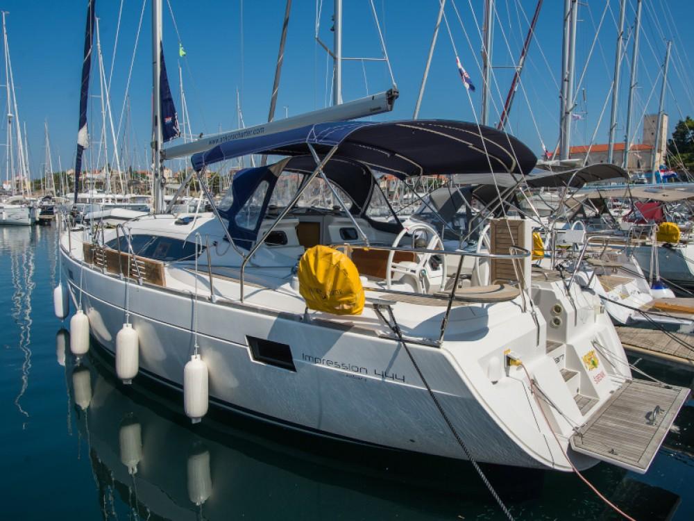 Huur Zeilboot met of zonder schipper Elan in Šibenik