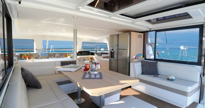 Huur Catamaran met of zonder schipper Bali Catamarans in Salerno