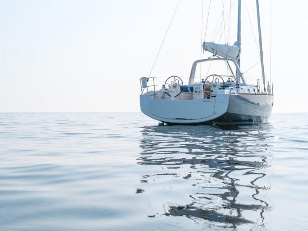 Bénéteau Oceanis 38 te huur van particulier of professional in Šibenik