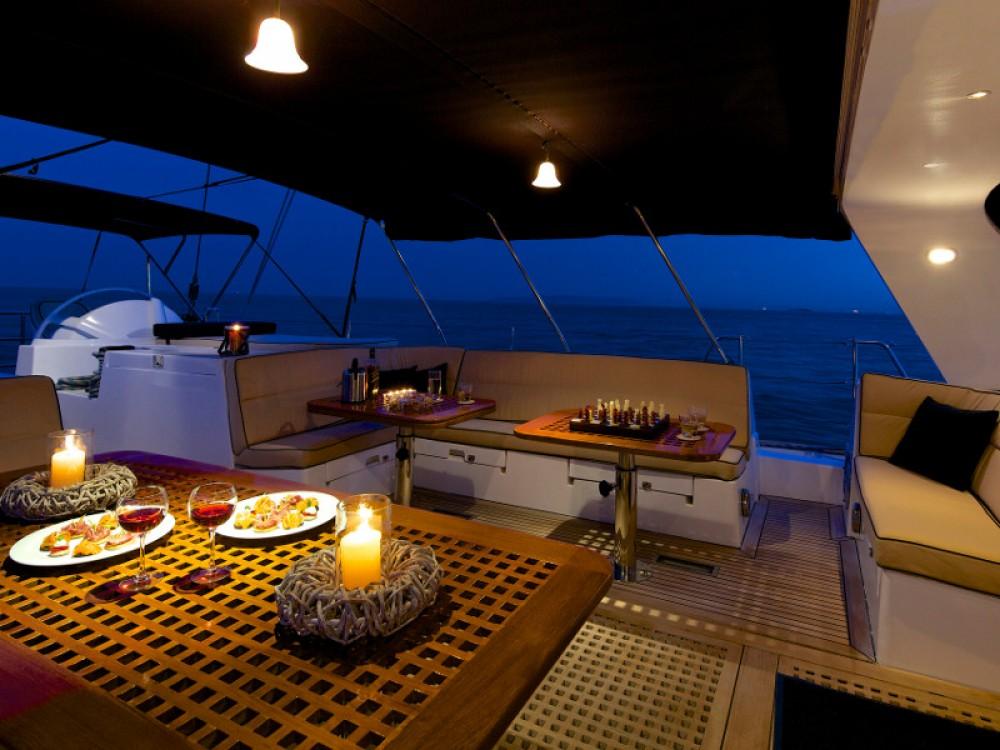 Verhuur Zeilboot in Marina de Alimos -  Dynamique
