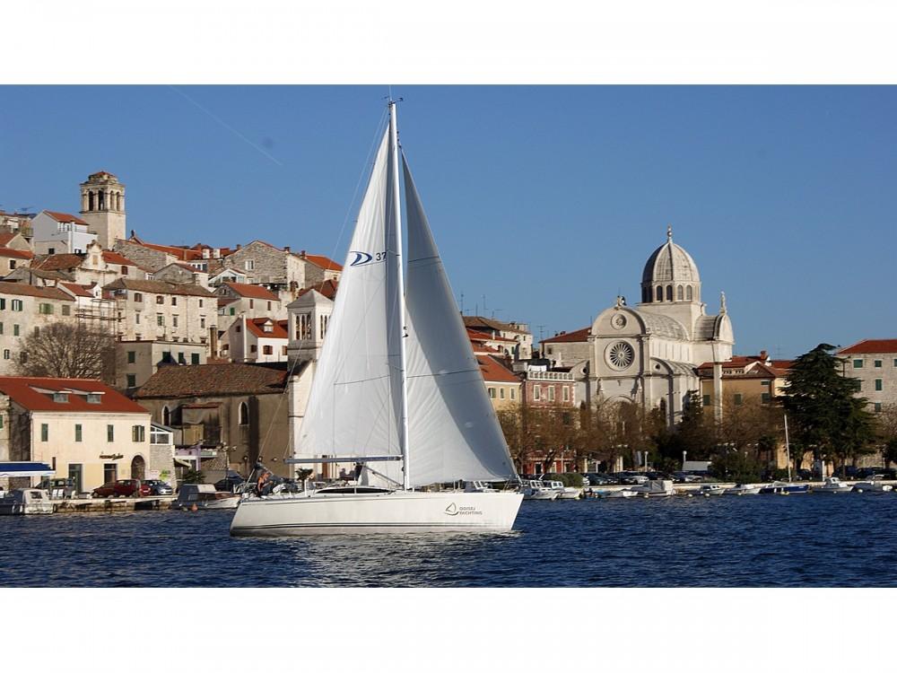 Huur Zeilboot met of zonder schipper Delphia in Šibenik
