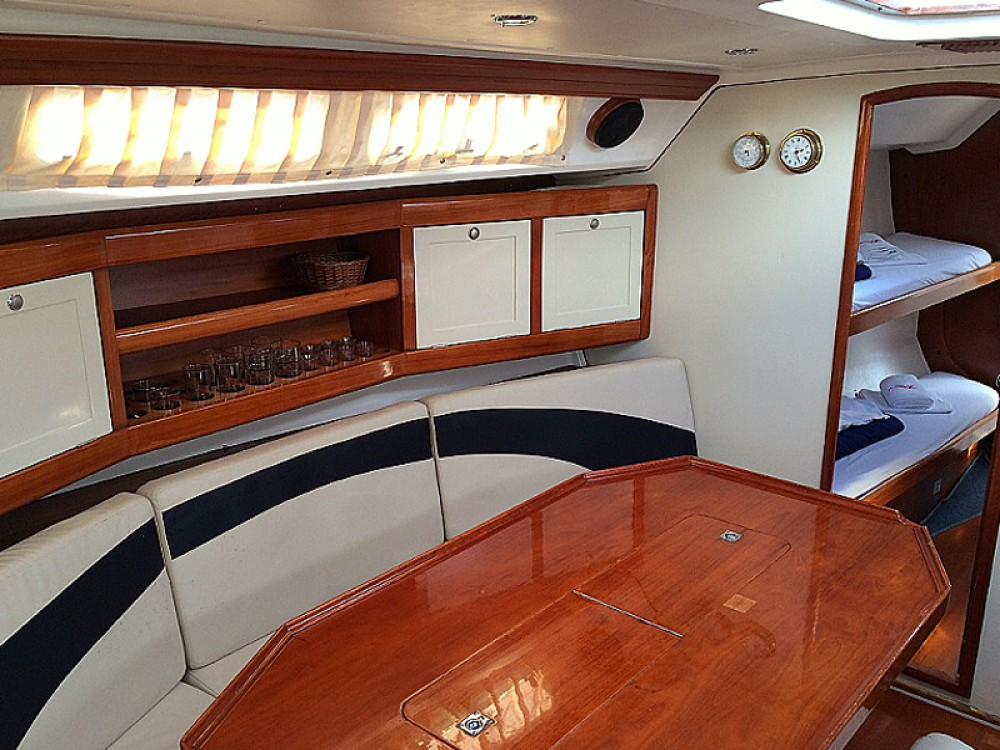 Bootverhuur Elan Elan 431 in Vodice via SamBoat