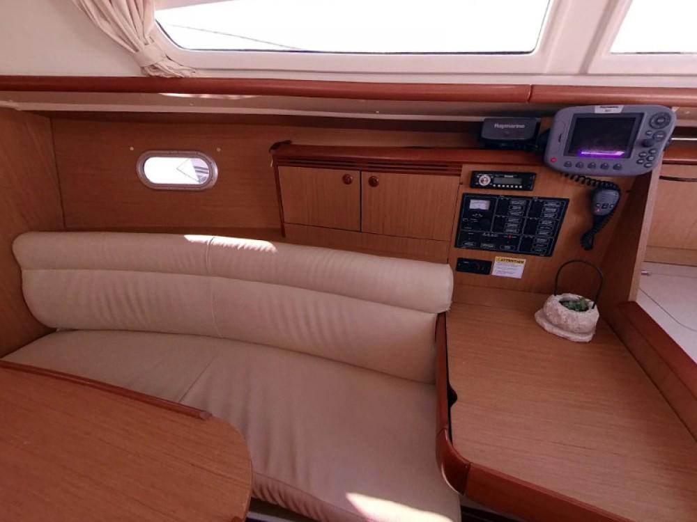 Bootverhuur Jeanneau Sun Odyssey 32i in  via SamBoat