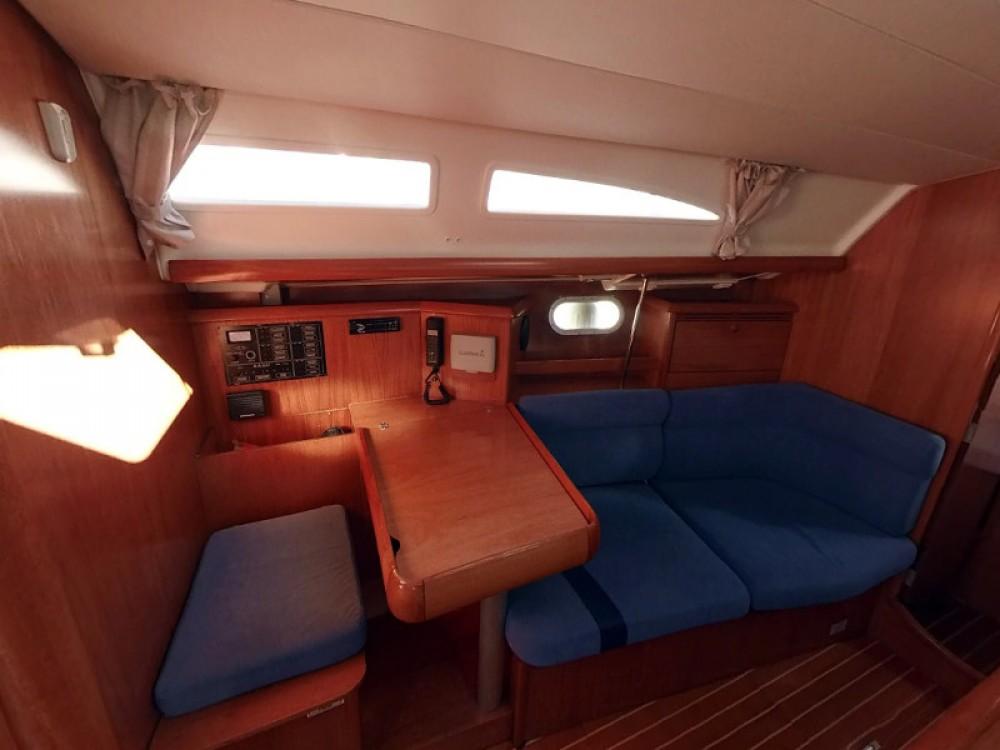 Bootverhuur Jeanneau Sun Odyssey 37 in Vodice via SamBoat