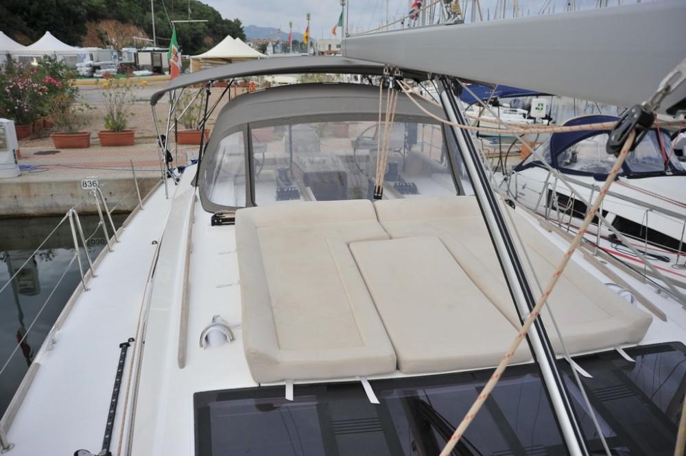 Bootverhuur Dufour Dufour 520 GL in Marina di Portisco via SamBoat