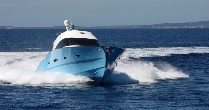 Huur Motorboot met of zonder schipper  in Olbia