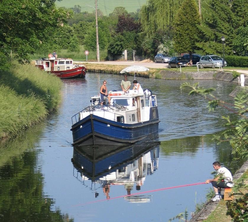 Verhuur Motorboot in Capestang -  EuroClassic 129