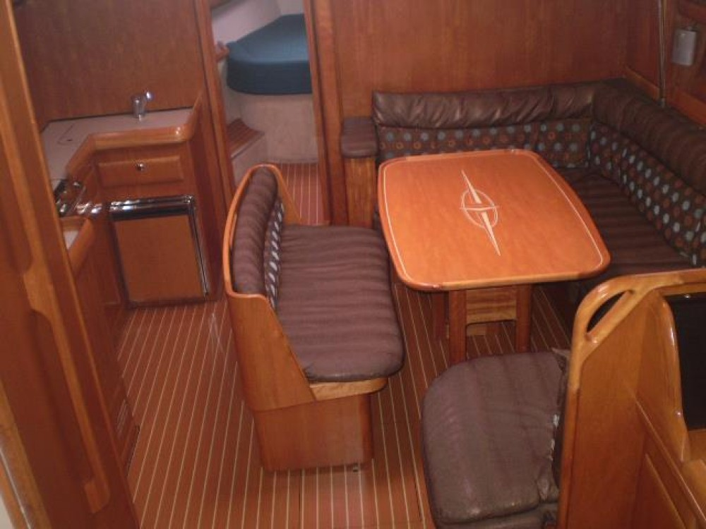 Huur een Bavaria Bavaria 42 Cruiser in Leucade