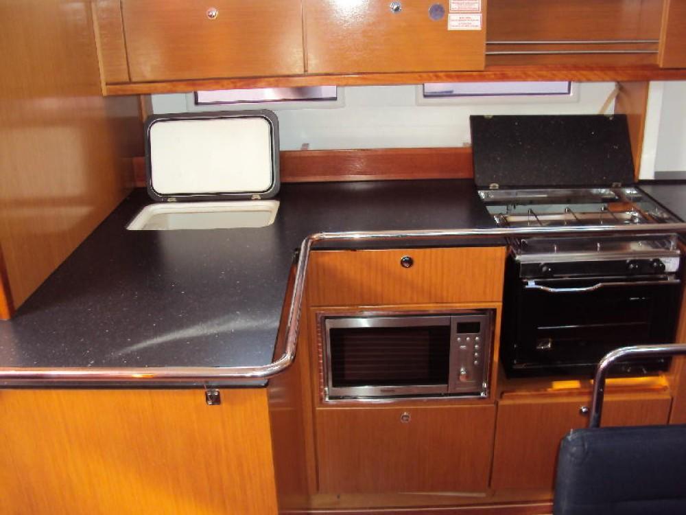 Bootverhuur Leucade goedkoop Bavaria Cruiser 45