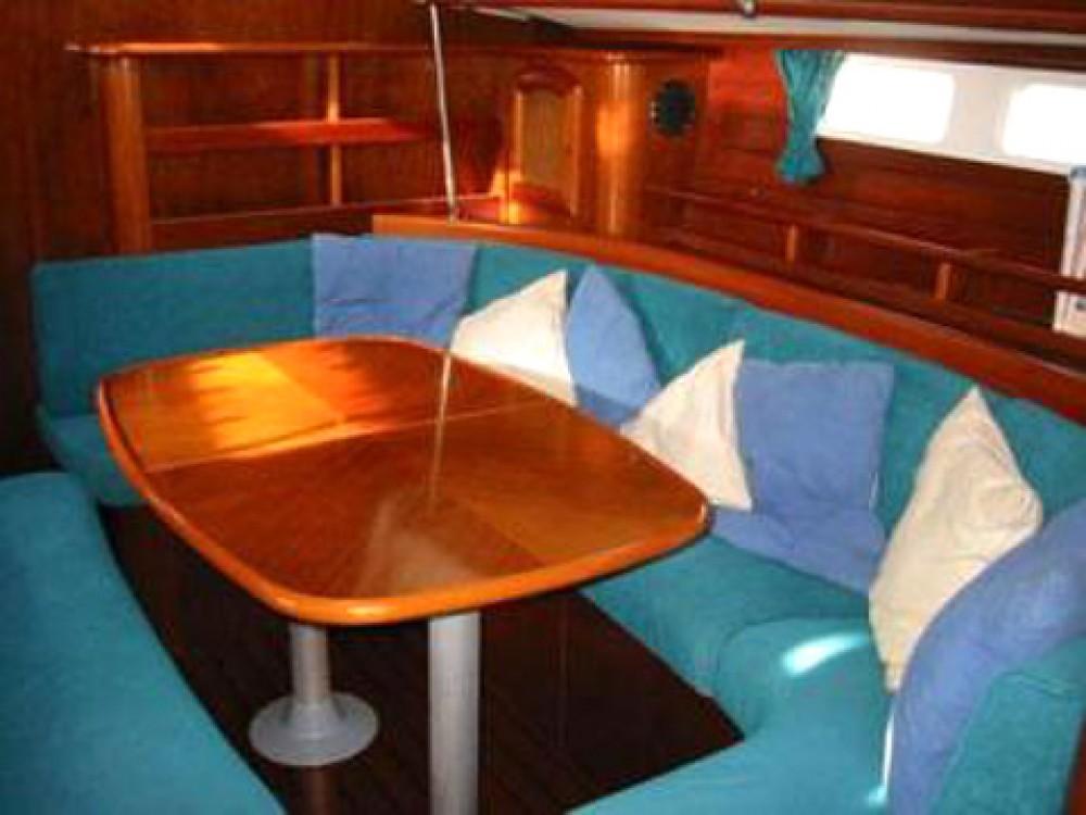 Bootverhuur Palma de Mallorca goedkoop Oceanis 461