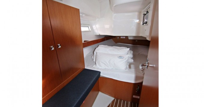 Bootverhuur Bavaria BAVARIA C 34  in Sukošan via SamBoat