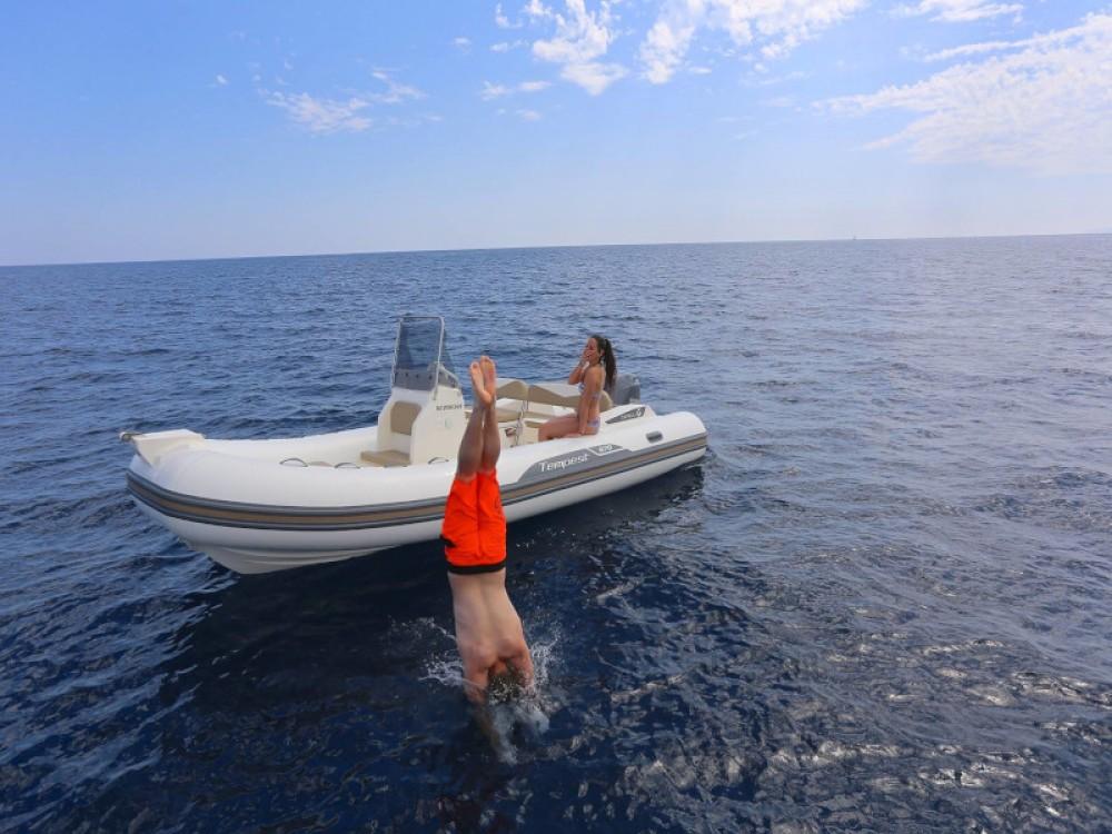 Huur Motorboot met of zonder schipper Cantiere in Sukošan