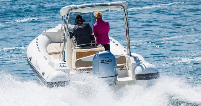 Huur Motorboot met of zonder schipper  in Pag