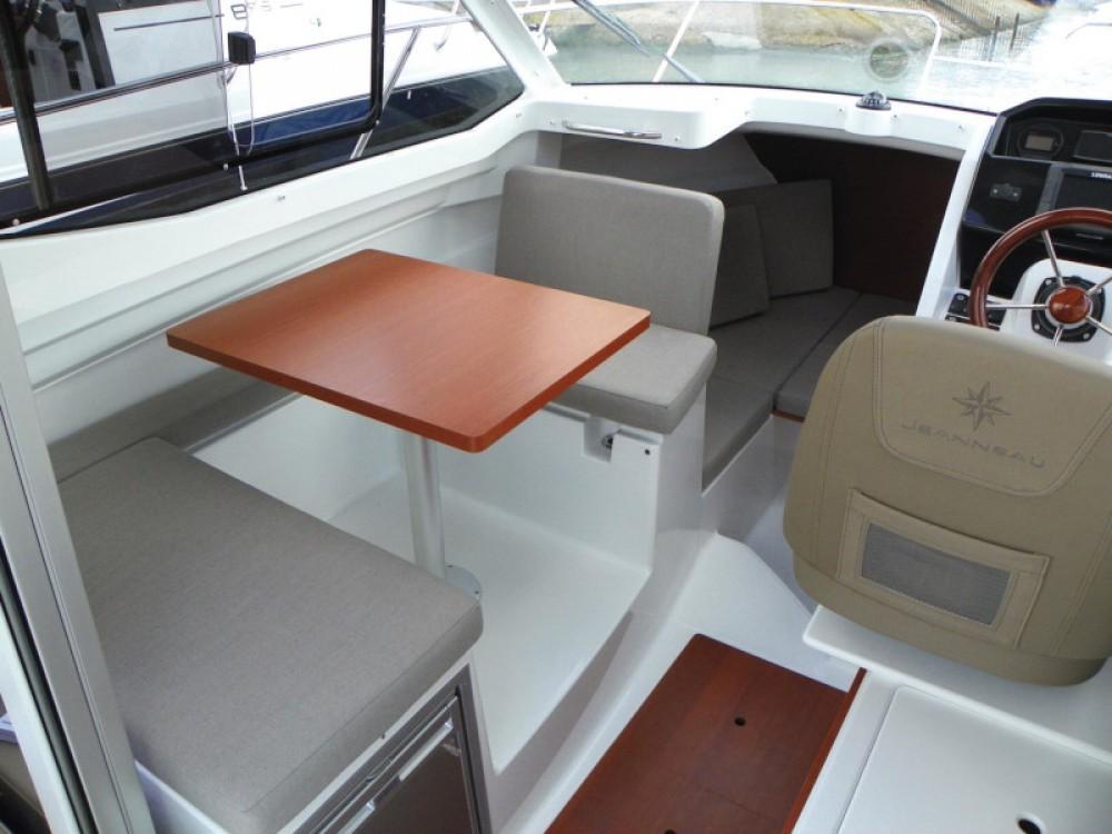Bootverhuur Sukošan goedkoop Merry Fisher 695 + Suzuki 150