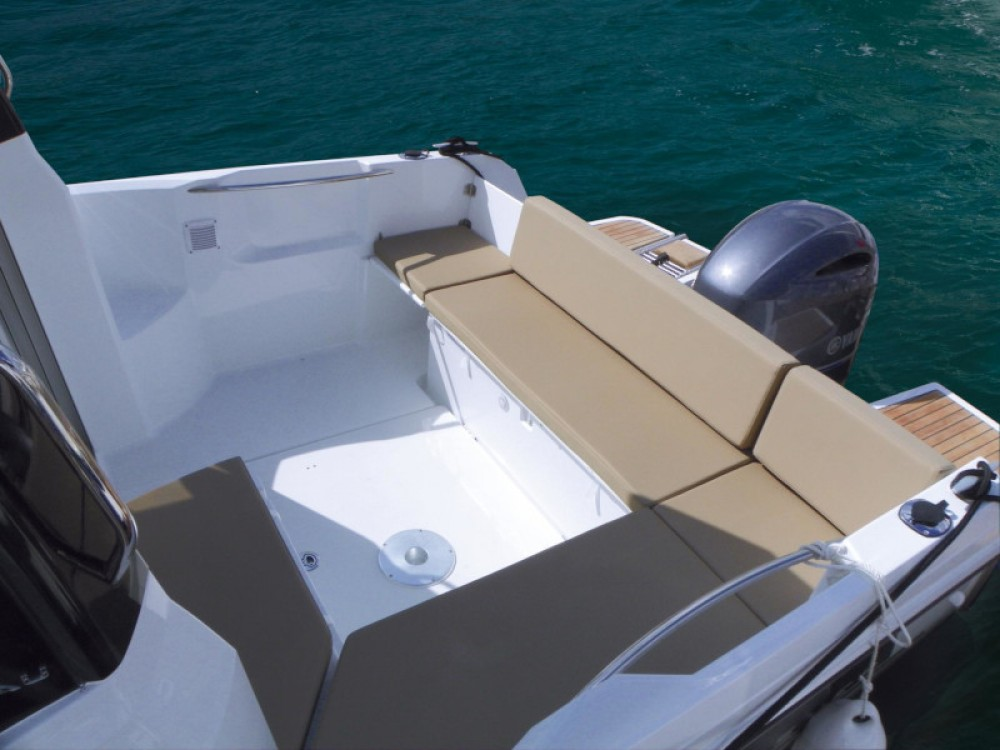 Verhuur Motorboot in Sukošan - Jeanneau Merry Fisher 695 + Suzuki 150