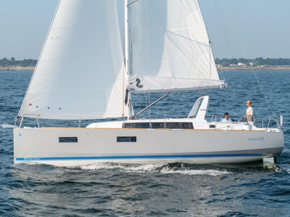 Huur een Bénéteau Oceanis 38 Owner Version in Grad Pula