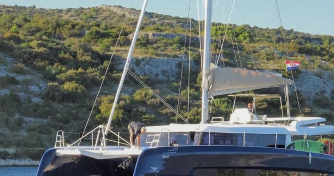 Bootverhuur Dufour Dufour 48 Catamaran in Primošten via SamBoat