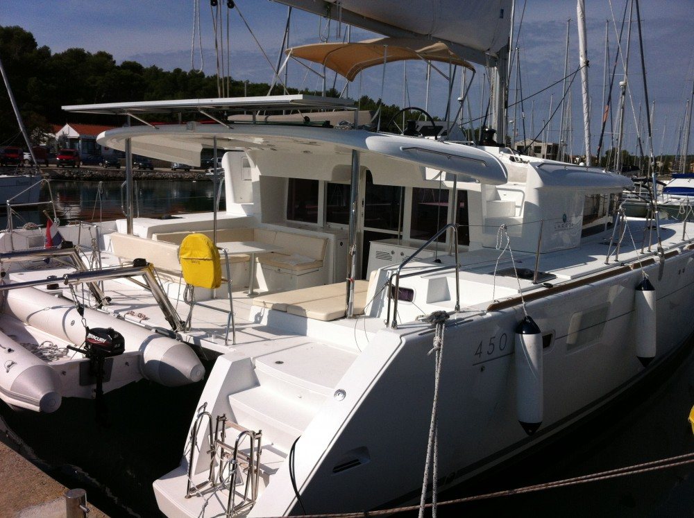 Bootverhuur Pula goedkoop Lagoon 450