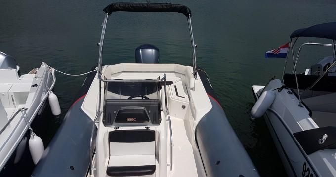 Motorboot te huur in Veruda voor de beste prijs