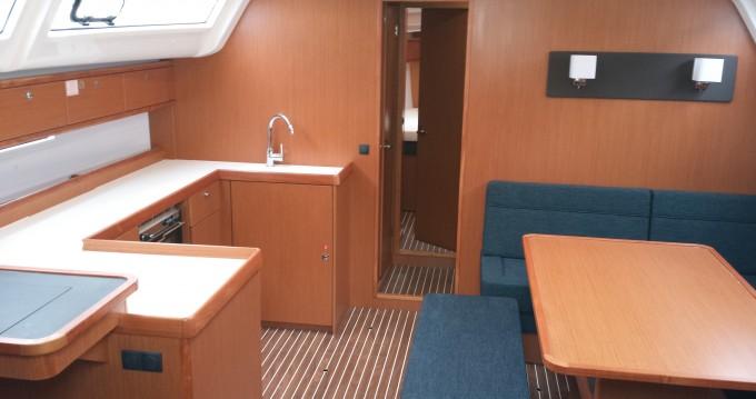 Bootverhuur  goedkoop Bavaria Cruiser51