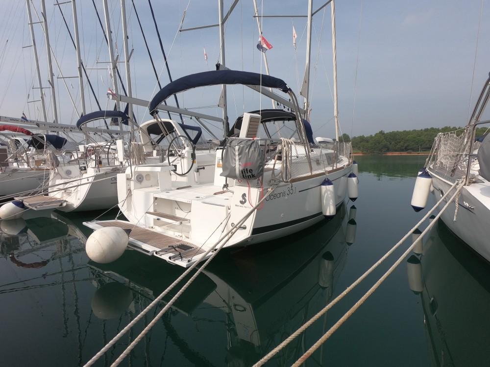 Bootverhuur Bénéteau Oceanis 35.1 in Medulin via SamBoat