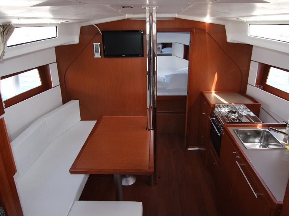Verhuur Zeilboot in ACI Marina Dubrovnik - Bénéteau Oceanis 38.1
