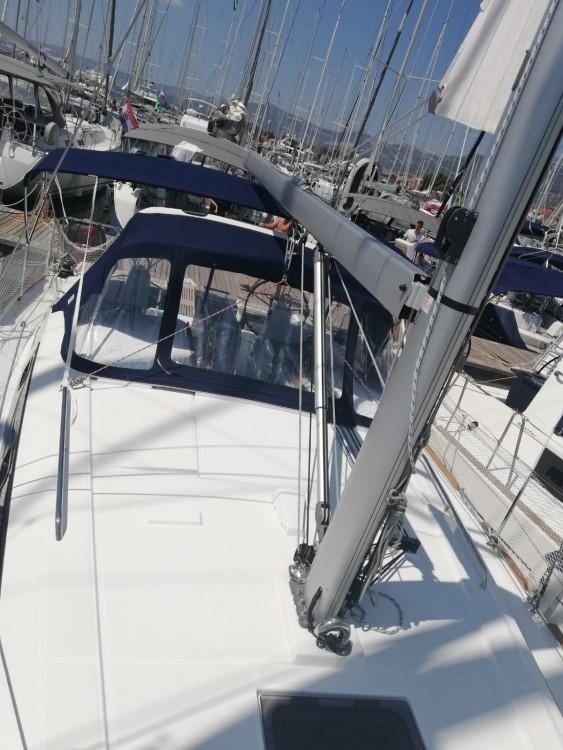 Verhuur Zeilboot in Marina Kaštela - Bénéteau Oceanis 38.1