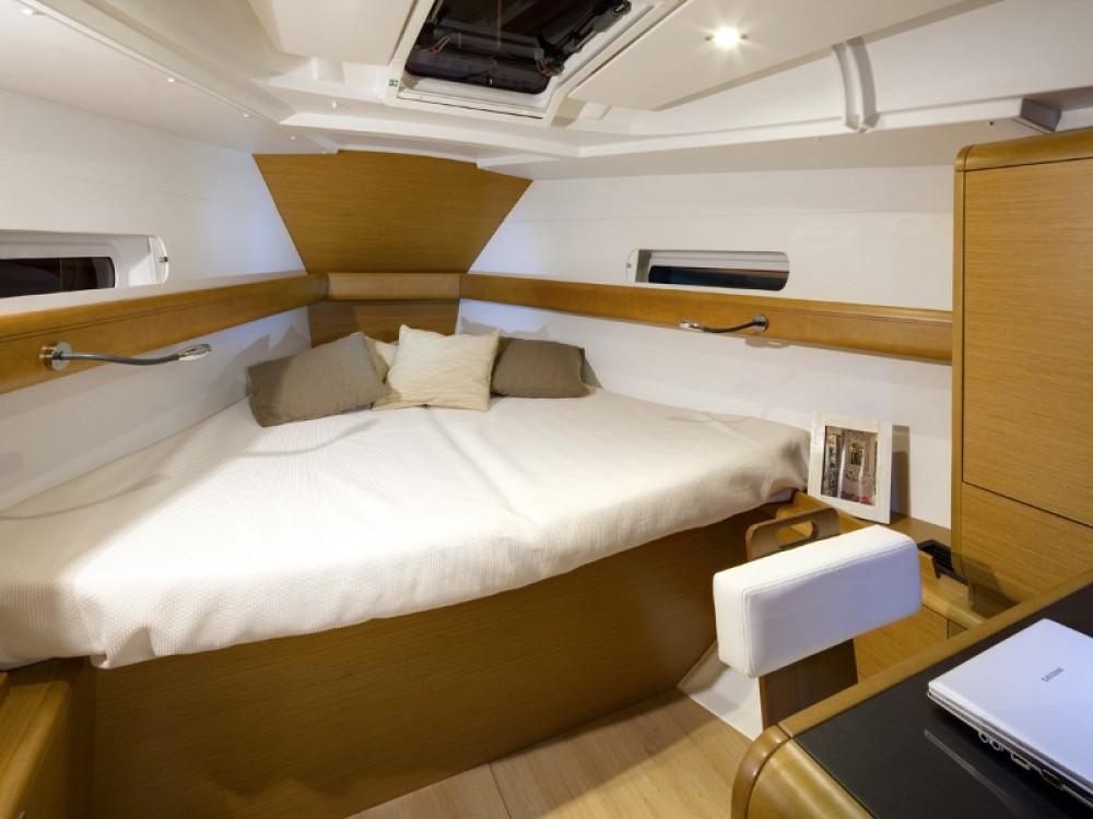 Bootverhuur Jeanneau Sun Odyssey 409 in Marmaris via SamBoat