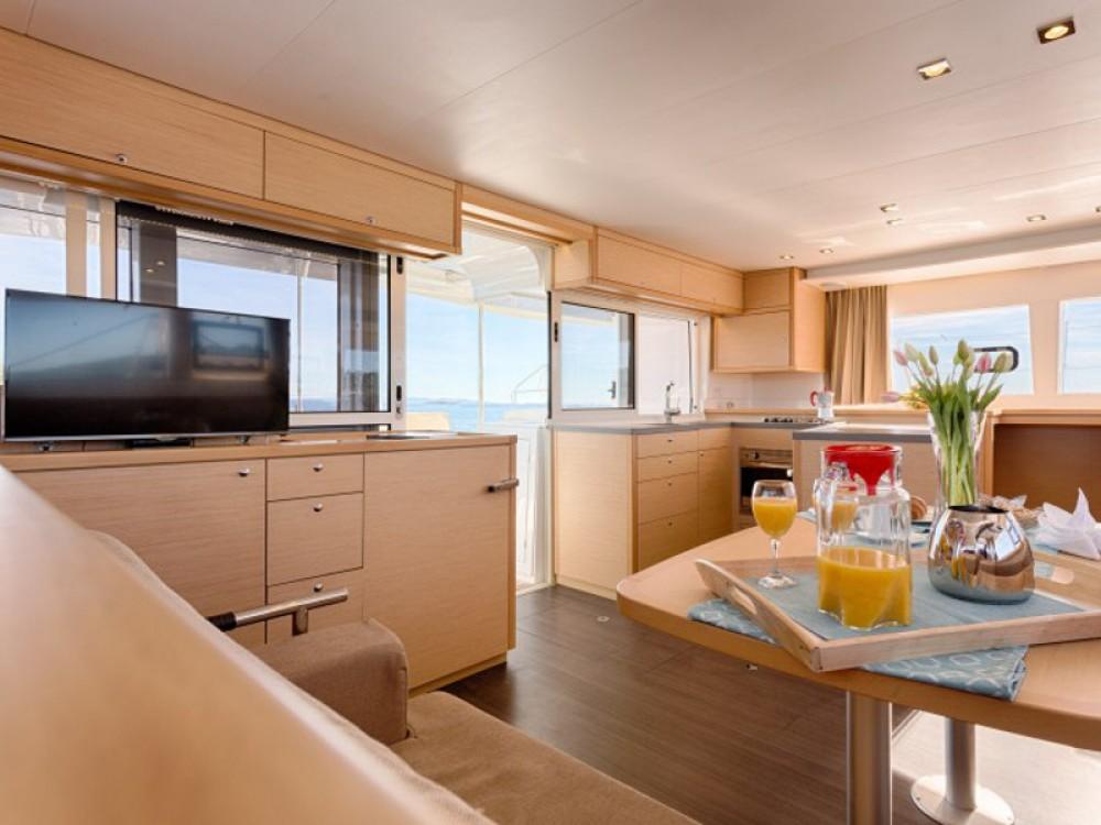 Verhuur Catamaran in Trogir - Lagoon Lagoon 450 F Luxury