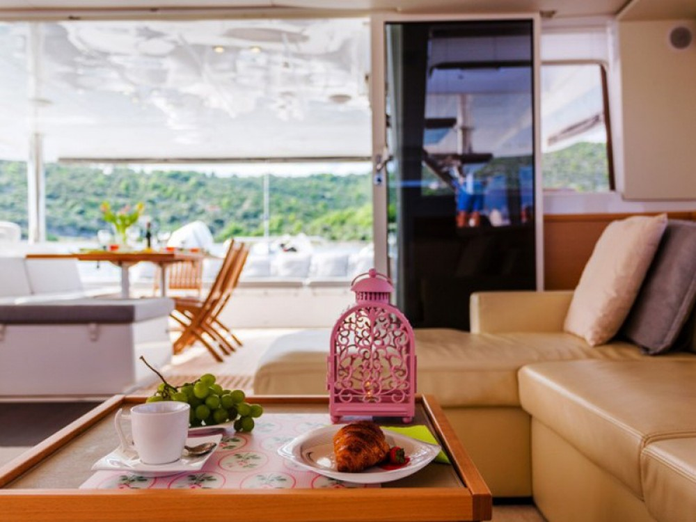 Verhuur Catamaran in Trogir - Lagoon Lagoon 620 Luxury